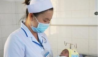Tìm người nhận nuôi em bé bị bỏ rơi tại bệnh viện