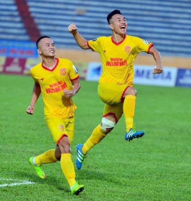 Tiền đạo Sỹ Minh chỉ ra cầu thủ nguy hiểm nhất bên phía Than Quảng Ninh