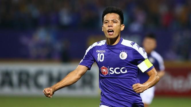 Văn Quyết lọt Top 9 tiền vệ xuất sắc nhất châu Á