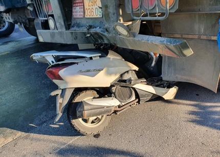 Tin tức tai nạn giao thông ngày 31/5: Đâm vào đuôi container, 1 người đi xe máy tử vong