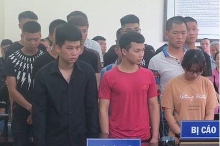 14 quái xế đua xe giữa dịch Covid-19 ở Hà Nội lĩnh án