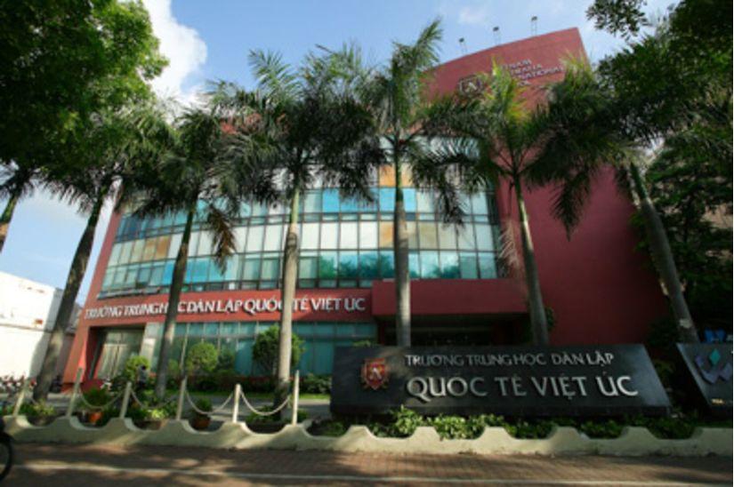 100 phụ huynh học sinh khởi kiện Trường Quốc tế Việt Úc