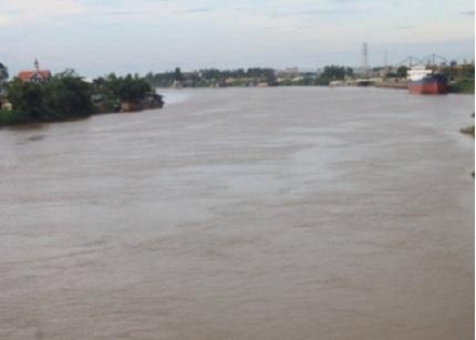 Nam Định: Phát hiện thi thể nổi trên sông Đào vào lúc sáng sớm