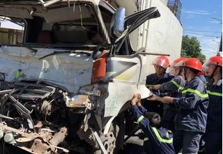 Tin tức tai nạn giao thông ngày 2/6: Đâm xe bồn dừng đèn đỏ, tài xế xe tải tử vong