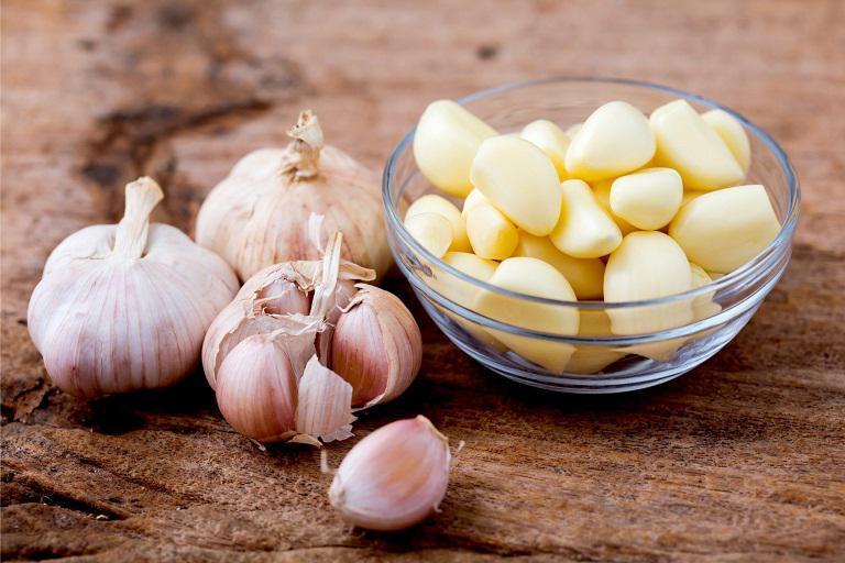 5 loại thực phẩm dưỡng nhan tốt nhưng lại gây mùi khó chịu trên cơ thể