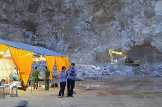 Tìm được thi thể nạn nhân thứ 3 vụ sập mỏ đá ở Điện Biên
