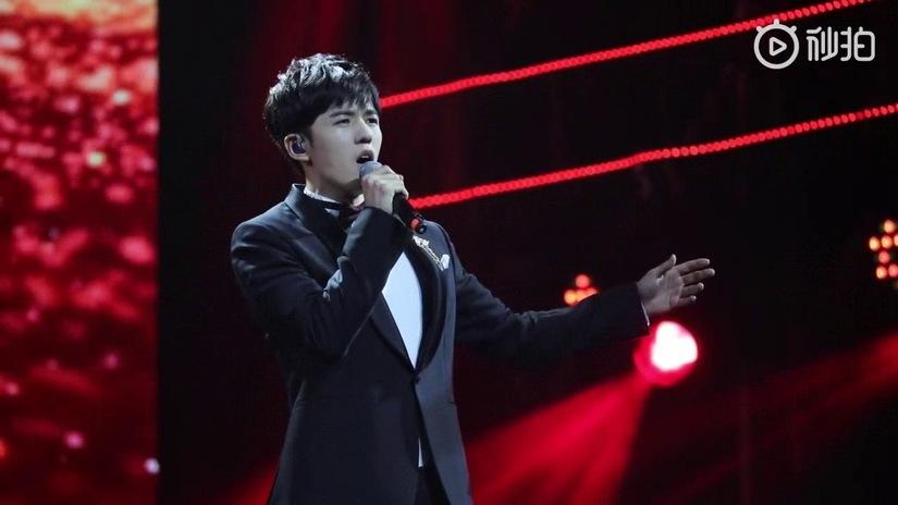 Nam ca sĩ Trung Quốc tự hủy hoại sự nghiệp với scandal gian lận thi cử