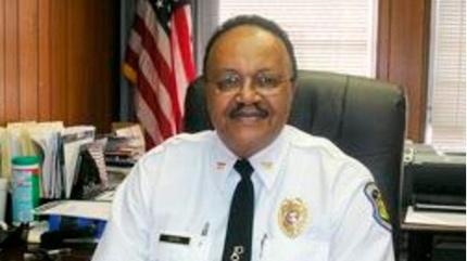 Biểu tình tại Mỹ khiến một cảnh sát trưởng bị bắn tử vong