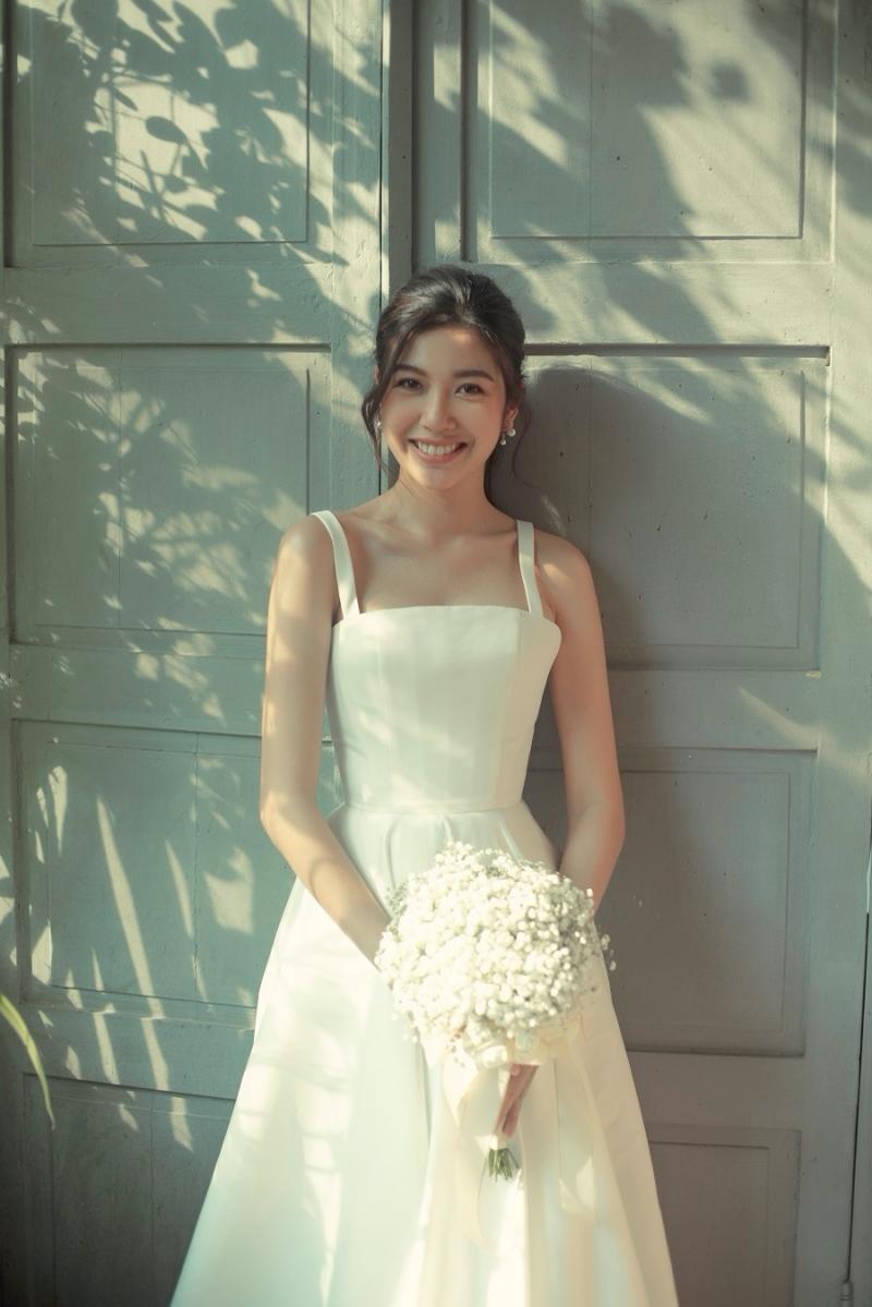 Nhan sắc xinh đẹp của Á hậu Thuý Vân trong bộ ảnh cưới khiến fan xuýt xoa