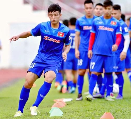 Hoàng Văn Khánh nghỉ thi đấu một tháng vì chấn thương