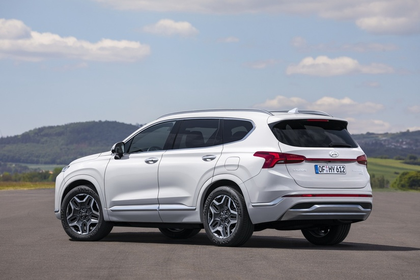Hyundai Santa Fe 2021 lột xác ấn tượng với ngoại hình và thiết kế nội thất