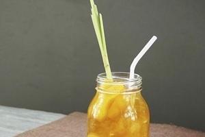 Cách làm trà đào cam sả tại nhà ngon tuyệt với công thức chuẩn