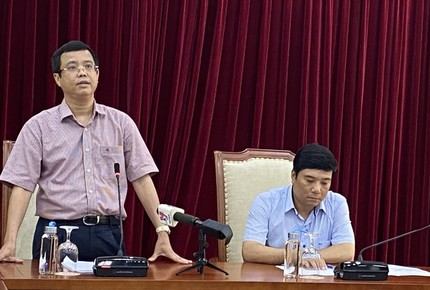 Bộ Văn hóa kiểm điểm trách nhiệm vụ văn bản 'xin' 400 vé máy bay