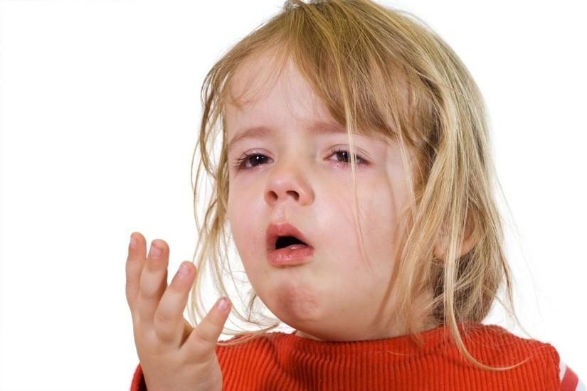 trẻ bị sổ mũi lâu ngày
