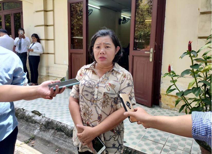 Bà Trang cho rằng quyết đinh 798 là chưa đúng sự thật, ảnh hưởng đến lợi ích hợp pháp của bà.