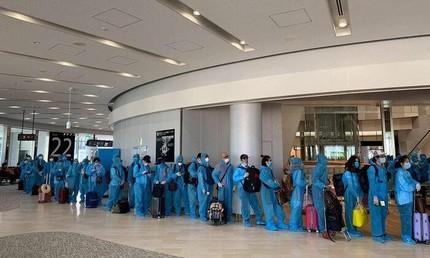 Đón 343 công dân Việt Nam từ Nhật Bản về nước, cách ly tại Quảng Nam