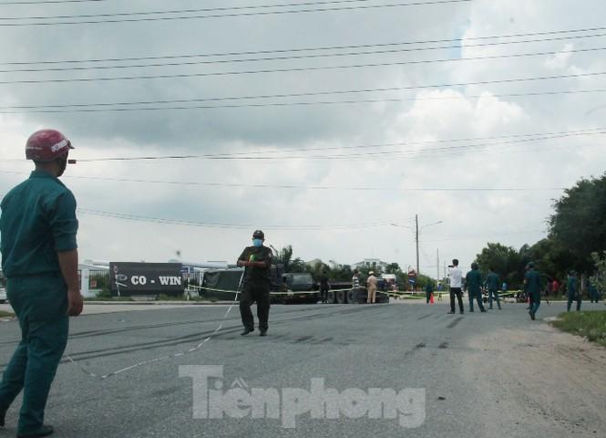 Xe container tông xe quân sự khiến 7 chiến sĩ thương vong 7
