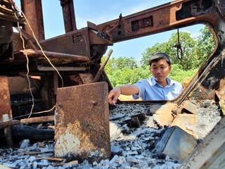 Xe múc bị đốt rụi sau 1 năm, chủ nhân bức xúc vì không tìm ra hung thủ