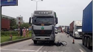 Tin tức tai nạn giao thông ngày 7/6: Xe container va chạm xe mô tô, 1 người tử vong tại chỗ