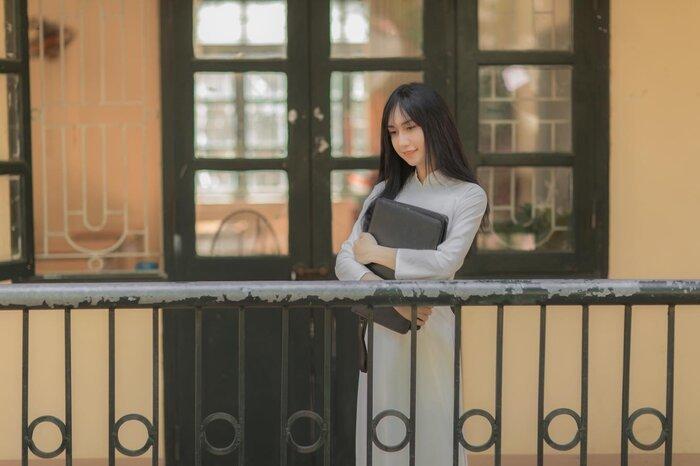 Lynk Lee diện áo dài khoe nhan sắc dịu dàng trong bộ ảnh mới