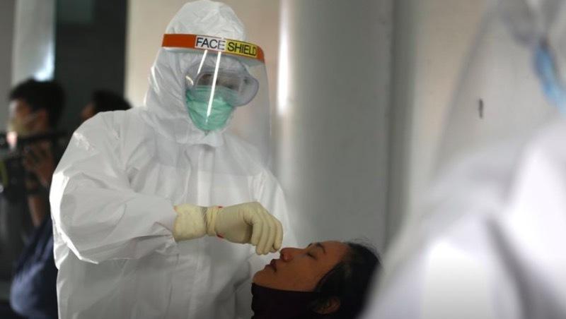 Indonesia ghi nhận kỷ lục người nhiễm Covid-19, gần 1000 người/ ngày