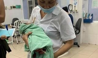 Bé sơ sinh bị bỏ rơi dưới hố ga sống sót thần kỳ suốt 3 ngày nắng 40 độ C