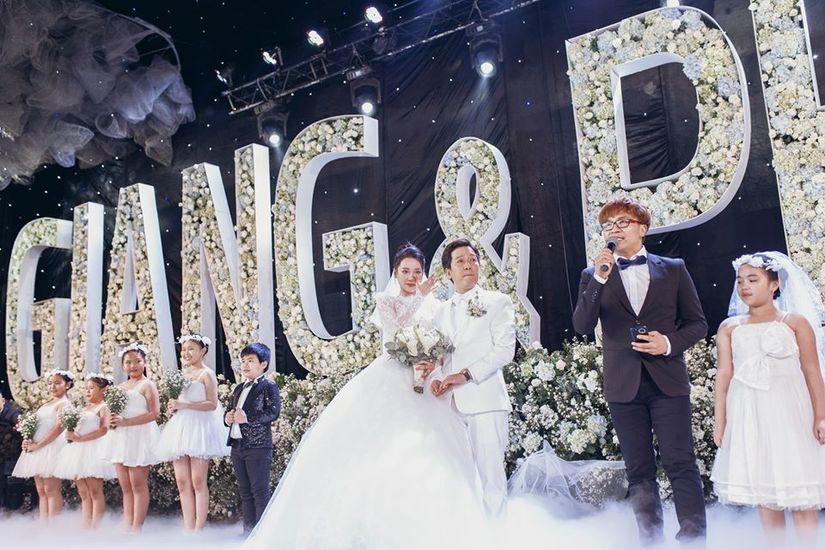 Ảnh cưới của Trường Giang - Nhã Phương hot trở lại nhưng sự chú ý lại đổ dồn vào 2 nhân vật này