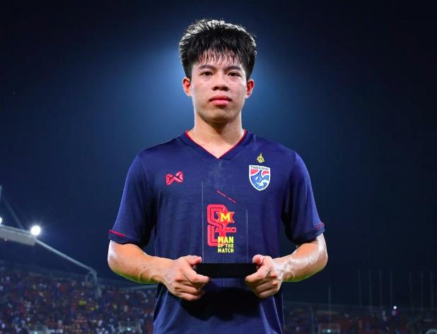 Tiền vệ Ekanit Panya của Thái Lan có giá trị gấp gần 8 lần Đoàn Văn Hậu