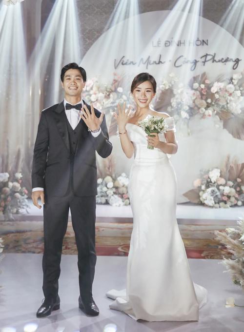 Tiết lộ giá cặp nhẫn và bộ vòng tay của Công Phượng - Viên Minh trong lễ đính hôn
