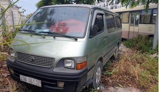 Một học sinh lớp 4 ở Hà Nội bị bỏ quên trên xe đưa đón