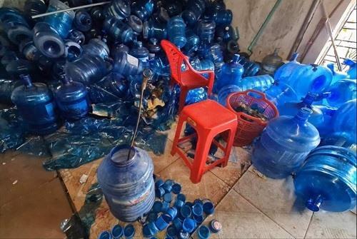 Chủ cơ sở sản xuất nước tinh khiết bằng nước mương thải lên tiếng