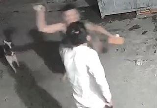 Truy bắt thanh niên nghi đánh chết người yêu đồng tính của mẹ