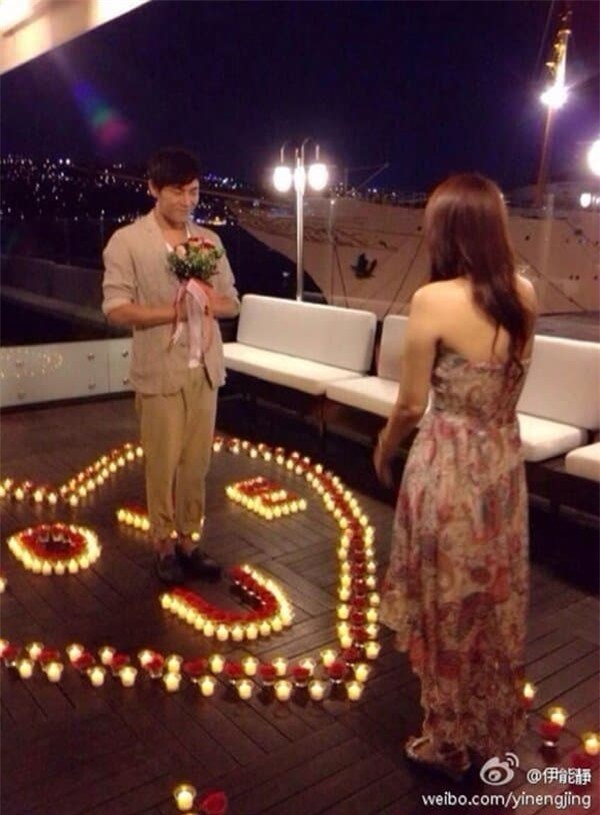 Những màn cầu hôn đẹp như phim ngôn tình của sao Hoa ngữ