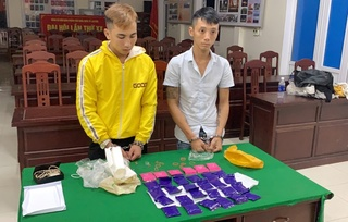 Hai thanh niên vận chuyển 6 nghìn viên ma túy lấy tiền công 5 triệu
