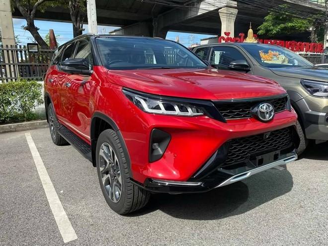 Toyota Fortuner 202Toyota Fortuner 2021 phiên bản Lengeder có giá 1,3 tỷ có gì đặc biệt?1 phiên bản Lengeder có giá 1,3 tỷ có gì đặc biệt?