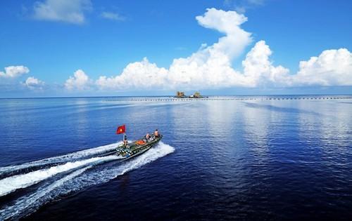 Cứu 1 ngư dân Quảng Ngãi nguy kịch ở ngư trường Trường Sa