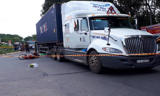 Tin tức tai nạn giao thông ngày 12/6: Xe container tông người phụ nữ chết thảm