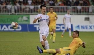 'CLB DNH Nam Định đi đâu cũng cũng bị trọng tài thổi bất lợi'