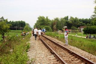 Người đàn ông nghi ngủ quên trên đường ray bị tàu hỏa tông chết