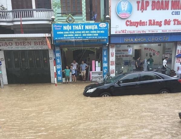 Tin tức trong ngày 14/6, máy bay Vietjet hạ cánh trượt khỏi đường băng Tân Sơn Nhất, nguyên nhân là do mưa lớn