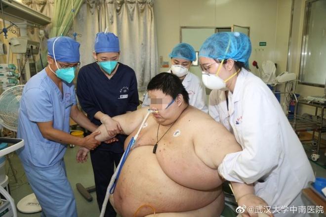 Sau 5 tháng cách ly vì dịch Covid-19, chàng trai Vũ Hán tăng 100kg