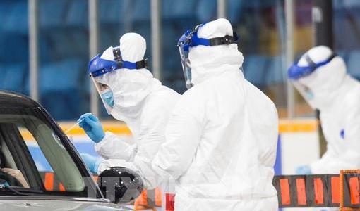 Nhân viên y tế gốc Việt ở Canada tử vong vì Covid-19