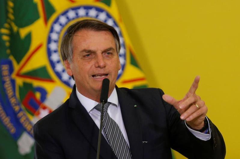 Tổng thống Brazil khẳng định sẽ không bị quân đội phế truất