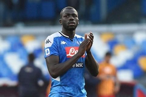 MU chi 100 triệu bảng mua sao của Napoli