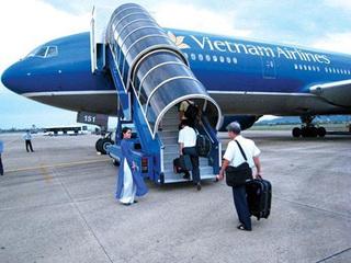 Ngã trên xe thang máy bay Vietnam Airlines, nữ hành khách tử vong