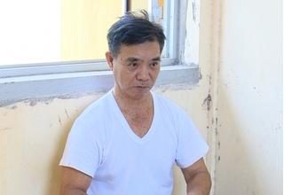 Cụ ông 75 tuổi nổi cơn ghen cầm dao chém người tình rồi bỏ trốn