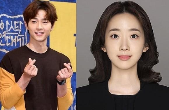 Động thái mới nhất của Song Hye Kyo trước tin đồn Song Joong Ki hẹn hò nữ luật sư