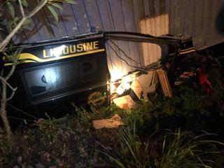 Container đè bẹp xe limousine ở Quảng Ninh, 3 người tử vong