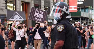 Biểu tình lan rộng, cảnh sát Mỹ đồng loạt nghỉ việc