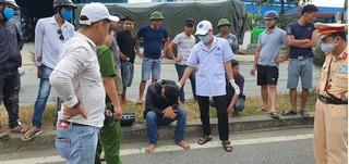 Tự gây tai nạn ngã ra đường, nam thanh niên còn đánh người giúp mình